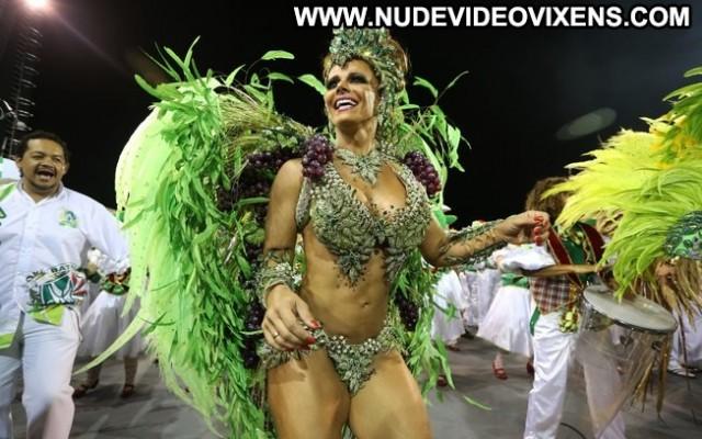 Viviane Araujo Mancha Verde Stunning Medium Tits Video Vixen Sensual