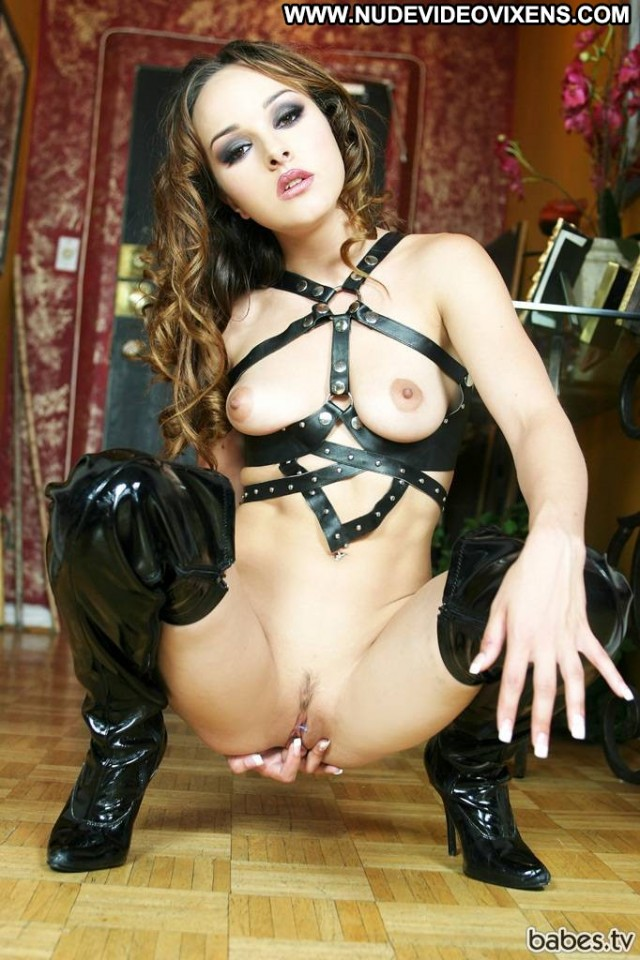 Cytherea Miscellaneous Pornstars Brunette Pornstar Celebrity Medium
