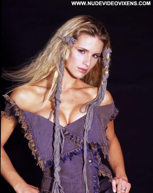 Michelle Hunziker No Source Dutch Singer Celebrity Babe Actress