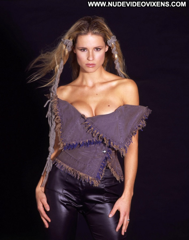 Michelle Hunziker No Source Model Posing Hot Actress Dutch Singer