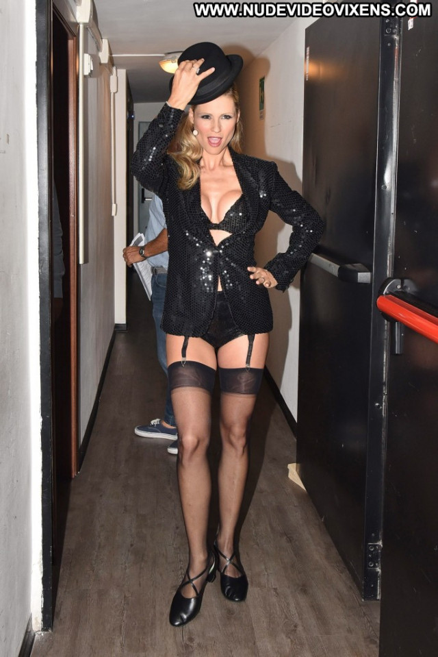 Michelle Hunziker No Source Actress Celebrity Beautiful Posing Hot