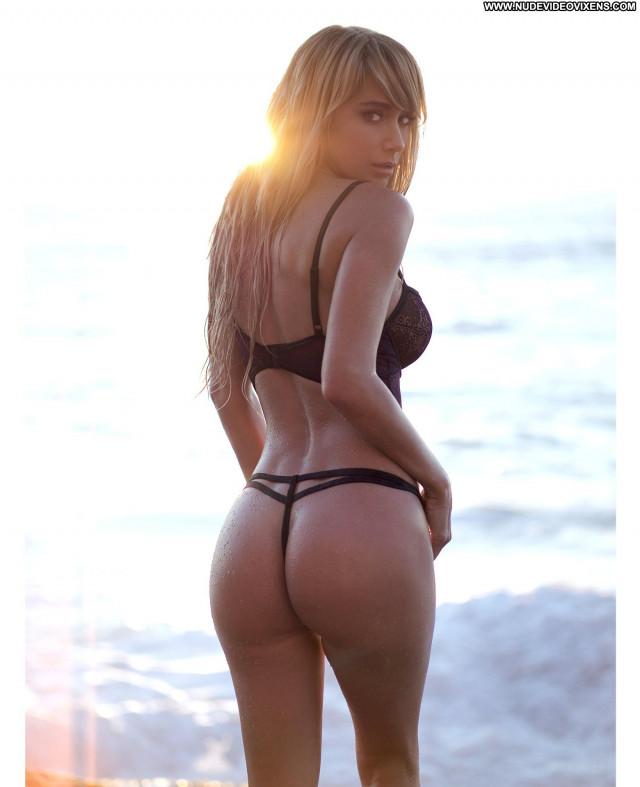 Sara Underwood No Source Babe Posing Hot Lingerie Sexy Celebrity