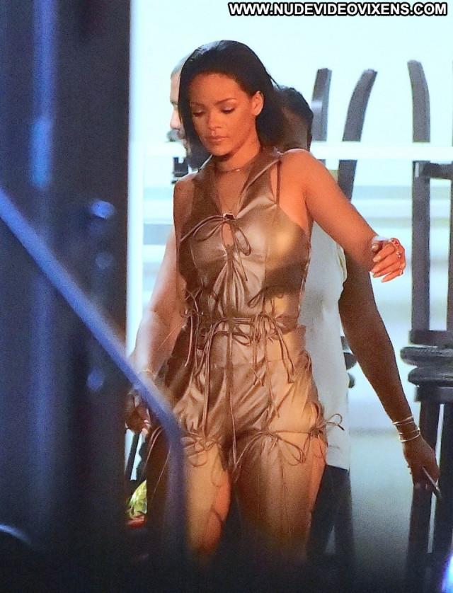 Rihanna Topless Photoshoot  Beautiful Topless Babe Photoshoot Posing