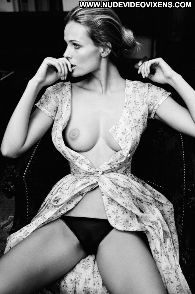 Edita Vilkeviciute No Source Posing Hot Babe Celebrity Photoshoot