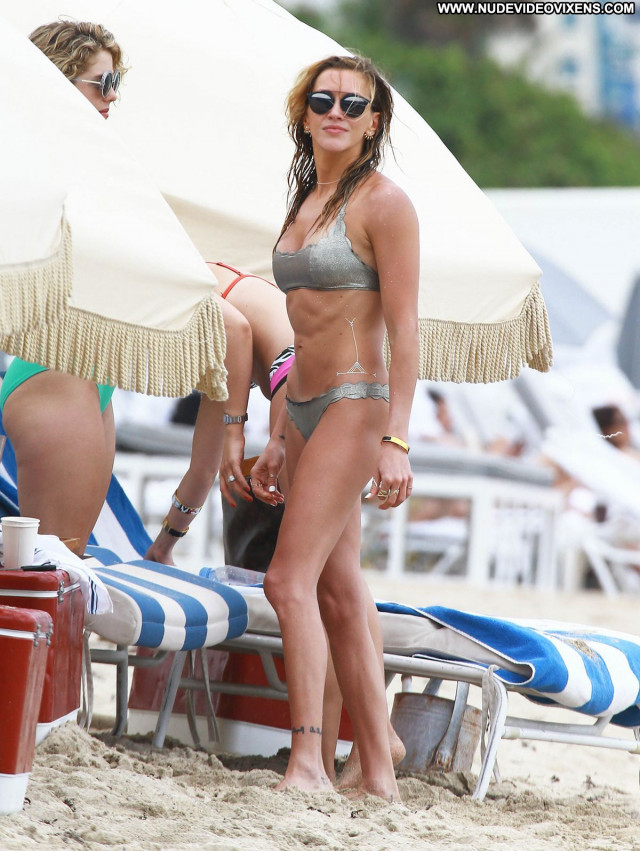 Katie Cassidy No Source Posing Hot Celebrity Sexy Beautiful Babe