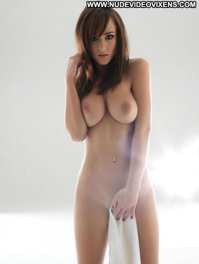 Girls No Source Posing Hot Beautiful Celebrity Hot Babe