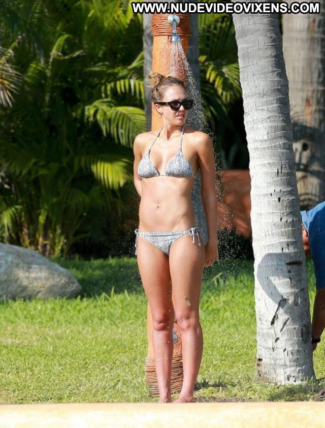 Jessica Alba No Source Beautiful Candids Babe Posing Hot Bikini