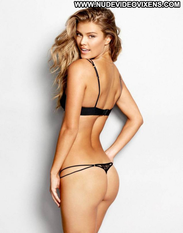 Nina Agdal No Source Lingerie Posing Hot Beautiful Babe Celebrity