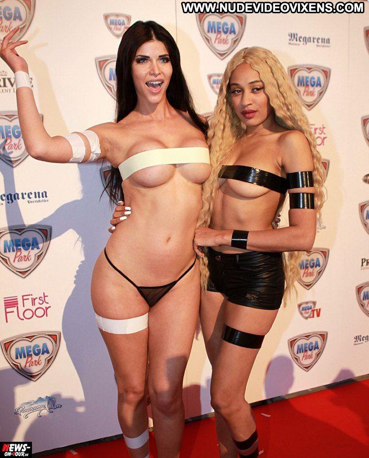 Mega hot nude babe Micaela Schafer No Source Celebrity Beautiful Babe Posing Hot Actress Nude Sexy Park German