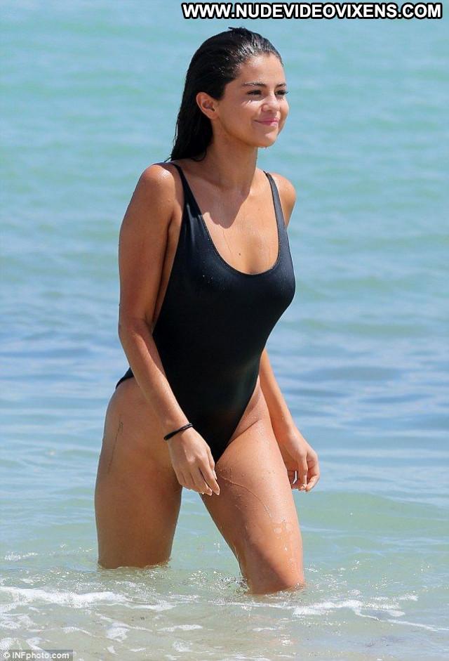 Selena Gomez Miami Beach Paparazzi Actress Celebrity American Beach