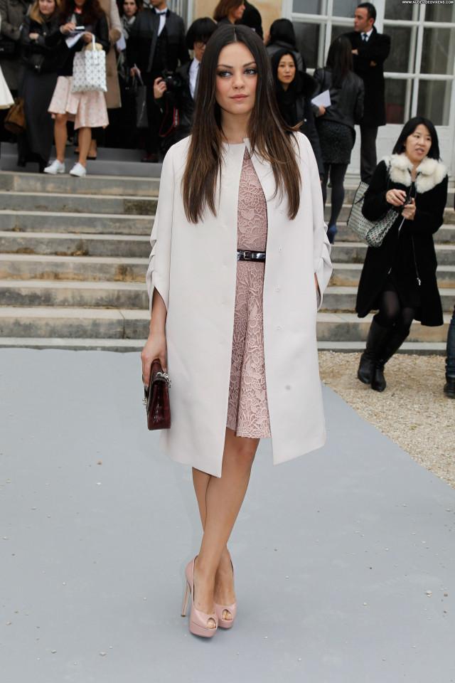 Mila Kunis Ready To Wear Fashion Beautiful France Paris Celebrity