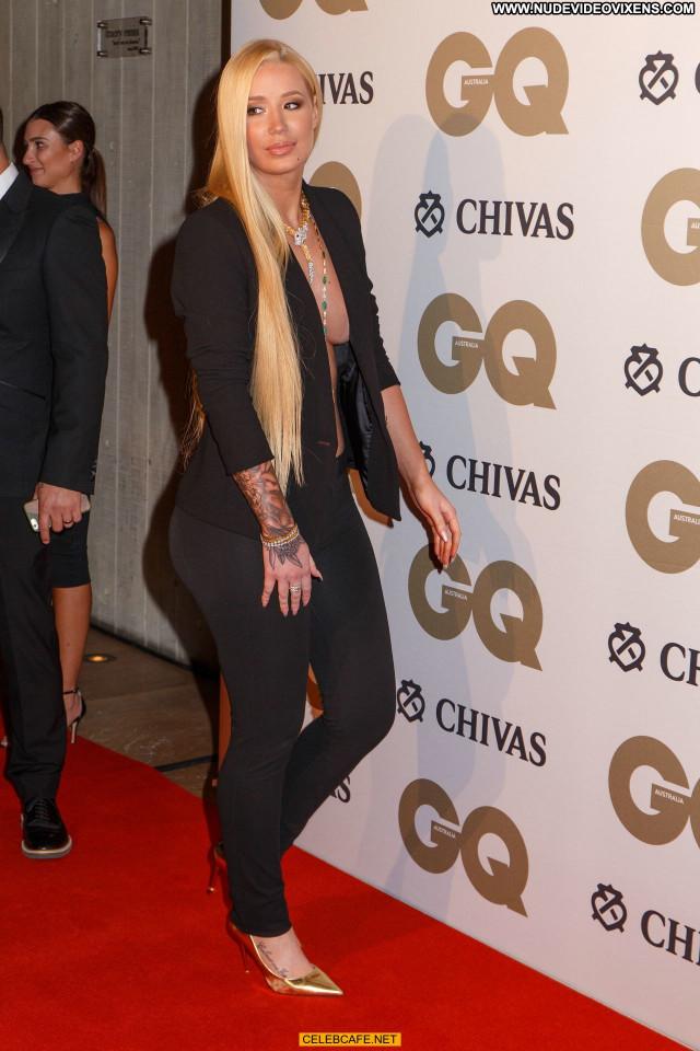 Iggy Azalea Gq Men Of The Year Awards Posing Hot Bra Babe Awards