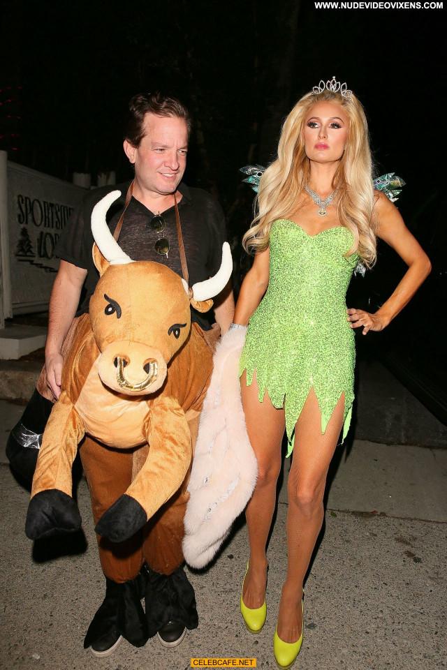 Paris Hilton Halloween Party Party Celebrity Halloween Posing Hot
