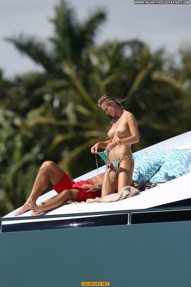 Joanna Krupa No Source Celebrity Toples Topless Beautiful Yacht