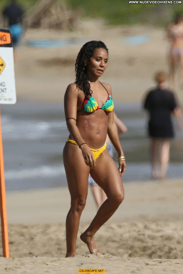 Jada Pinkett Smith No Source Beautiful Babe Posing Hot Bikini
