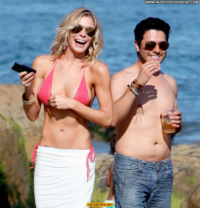 Leann Rimes No Source  Babe Bikini Posing Hot Beautiful Malibu