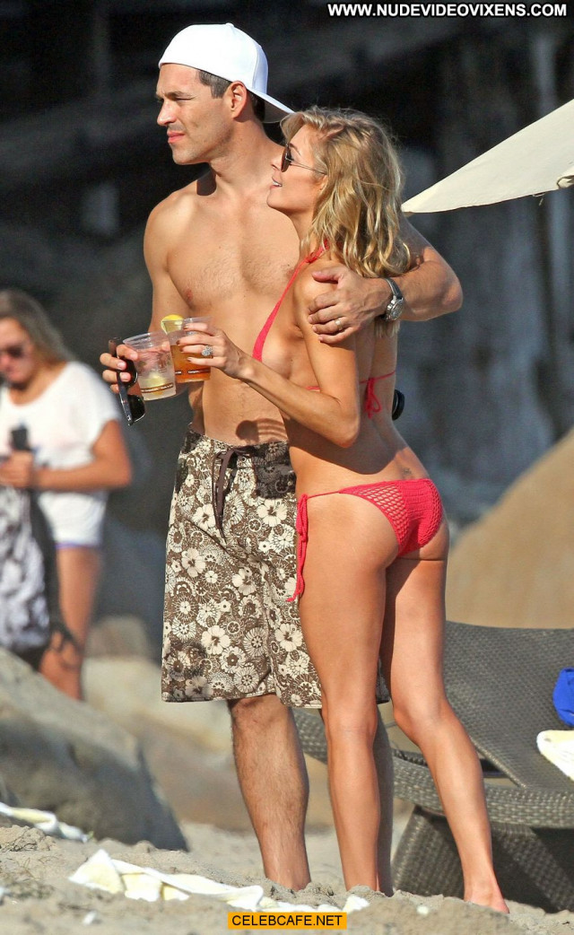 Leann Rimes No Source Posing Hot Bikini Beautiful Babe Side Of Boob