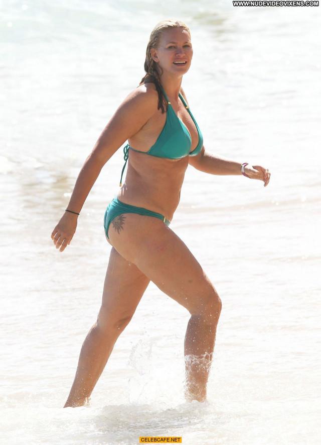Natasha Henstridge Posing Hot Beach Babe Celebrity Bikini Hawaii