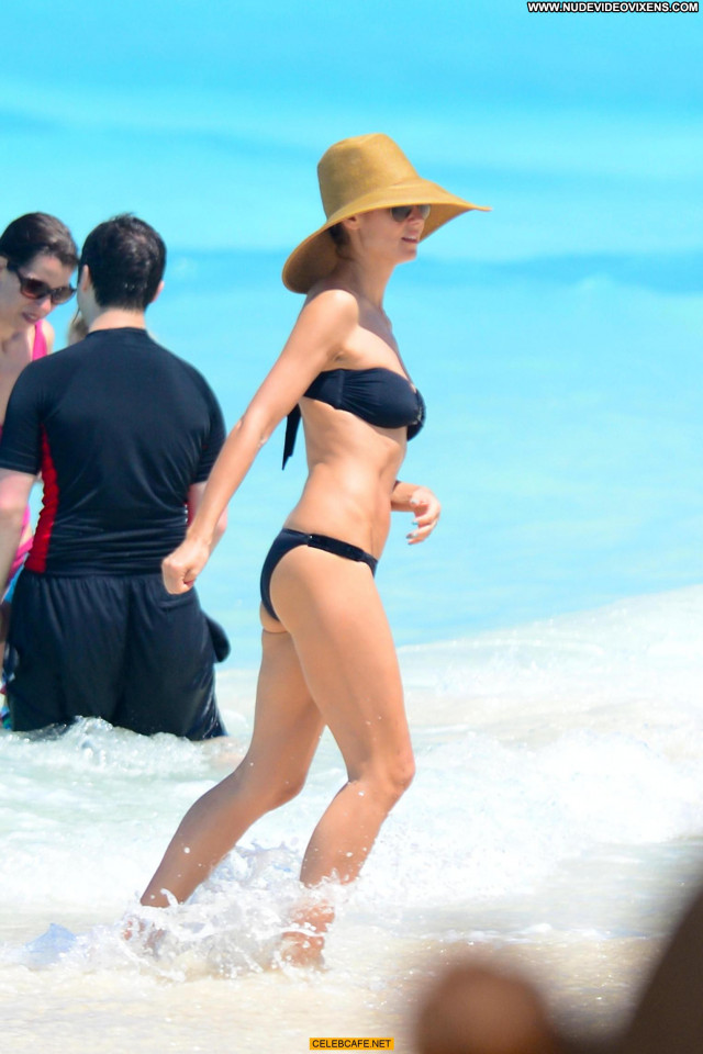 Heidi Klum No Source Beach Celebrity Bahamas Black Beautiful Posing