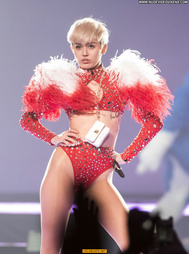 Miley Cyrus No Source Beautiful Babe Sexy Posing Hot Sex Celebrity
