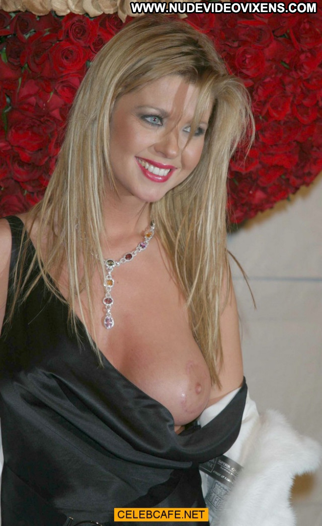 Tara Reid No Source Posing Hot Babe Boob Out Party Oops Celebrity