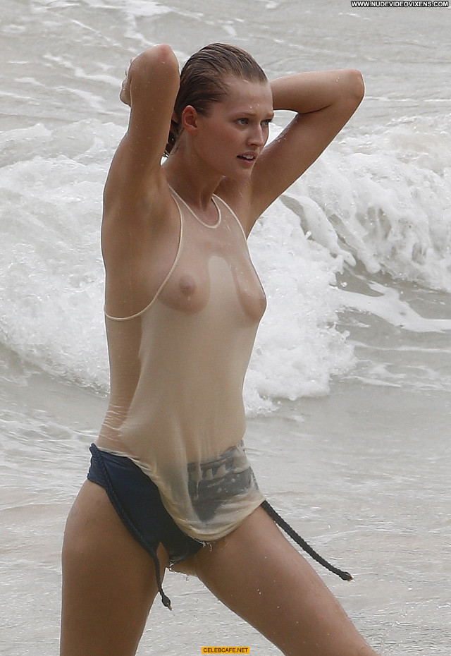 Toni Garrn No Source Celebrity Wet Babe Beautiful Posing Hot Nude Tits