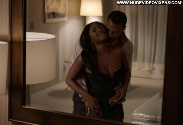 Naturi Naughton Tv Series Nude Babe Posing Hot Ass Bed Beautiful