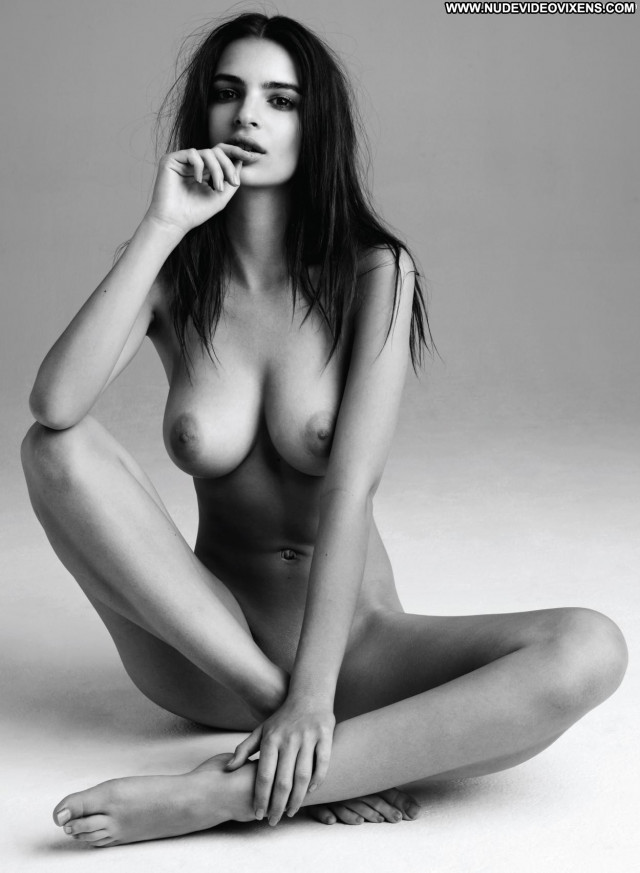 Emily Ratajkowski Photo Shoot Actress Babe Beautiful Nude Big Tits