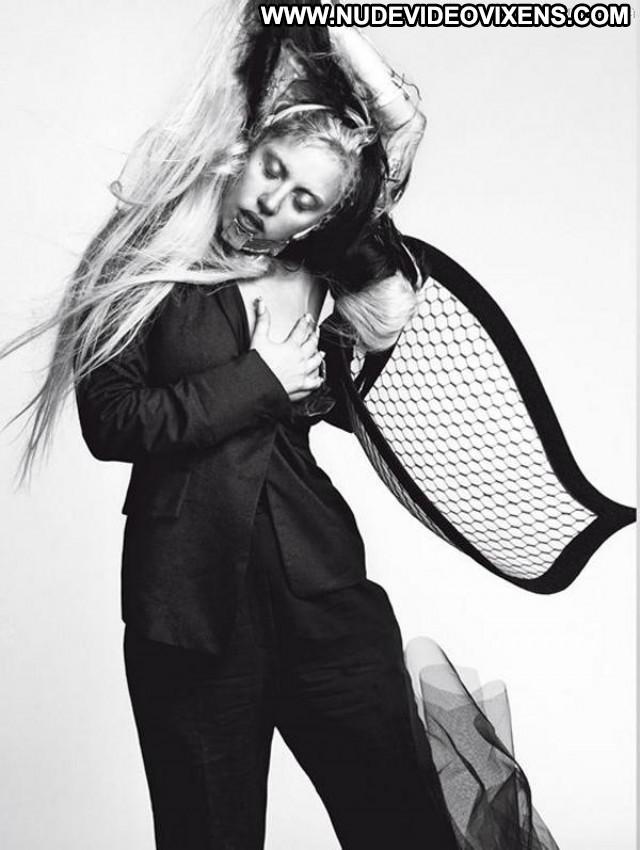 Lady Gaga Vogue Magazine Magazine Babe Beautiful Toples Gag Posing