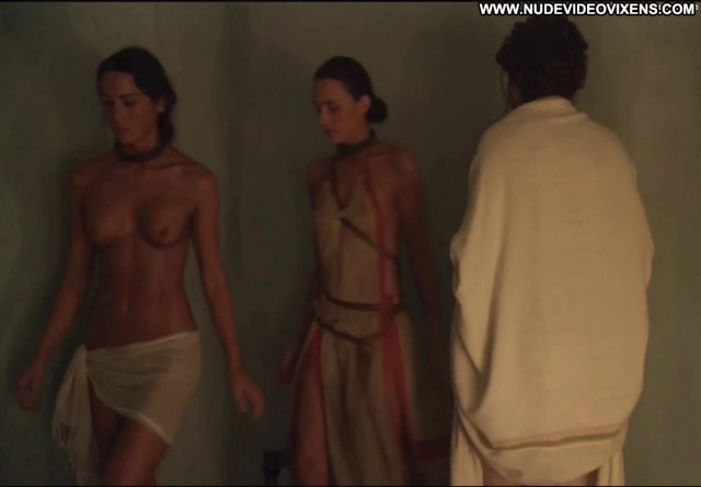 Lucy Lawless Spartacus Vengeance Celebrity Flashing Toples Australia