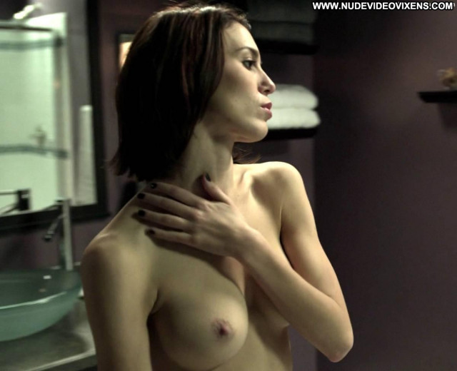 Christy Carlson Romano Mirrors Shower Babe Beautiful Celebrity