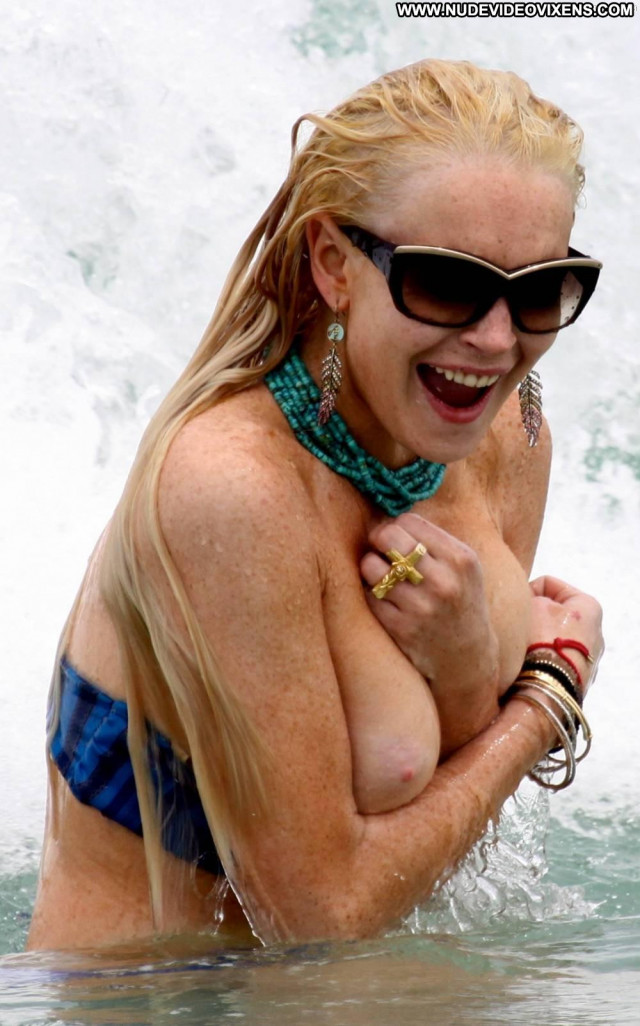 Lindsay Lohan Miami Beach Posing Hot Breasts Wardrobe Malfunction Big