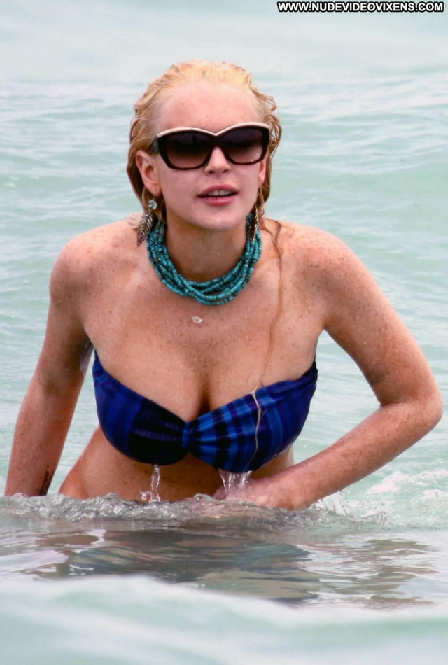 Lindsay Lohan Miami Beach Celebrity Bikini Nipples Big Tits Actress