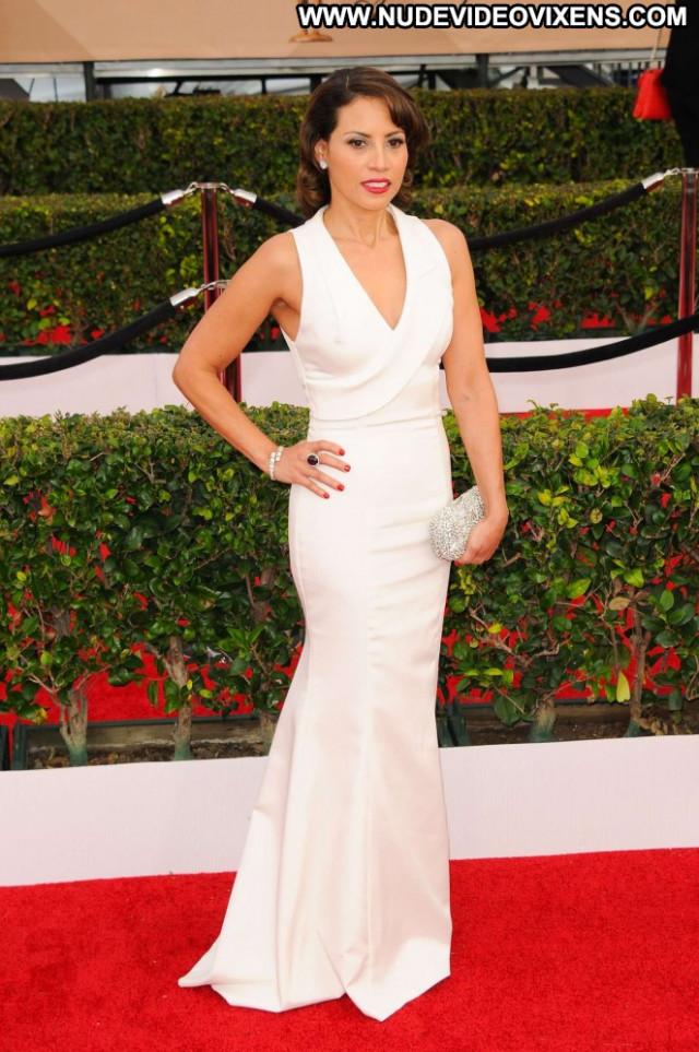 Elizabeth Rodriguez Los Angeles Los Angeles Awards Paparazzi Posing