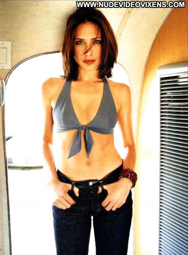 Claire Forlani Posing Hot Beautiful Glamour Amateur Hollywood Babe