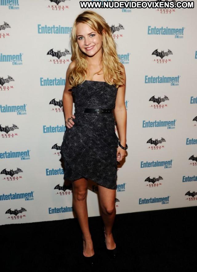 Brittany Britt Roberson No Source Posing Hot Celebrity Beautiful