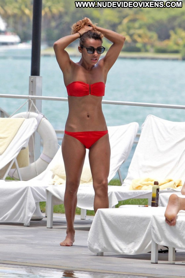 Melody Thornton The Pool Pool Celebrity Beautiful Posing Hot Babe