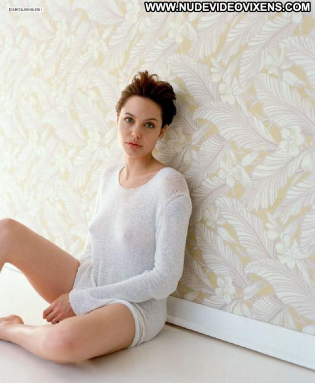 Angelina Jolie Famous Amateur Nude Beautiful Reality Bar Angel Spank