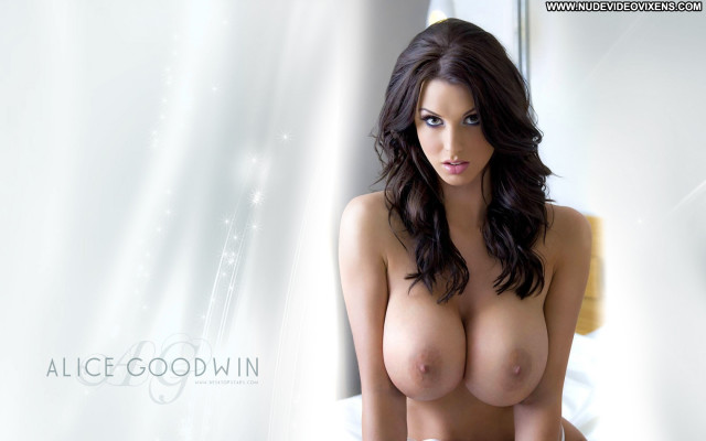 Celebrities Nude Celebrities  Hot Babe Sexy Posing Hot Beautiful