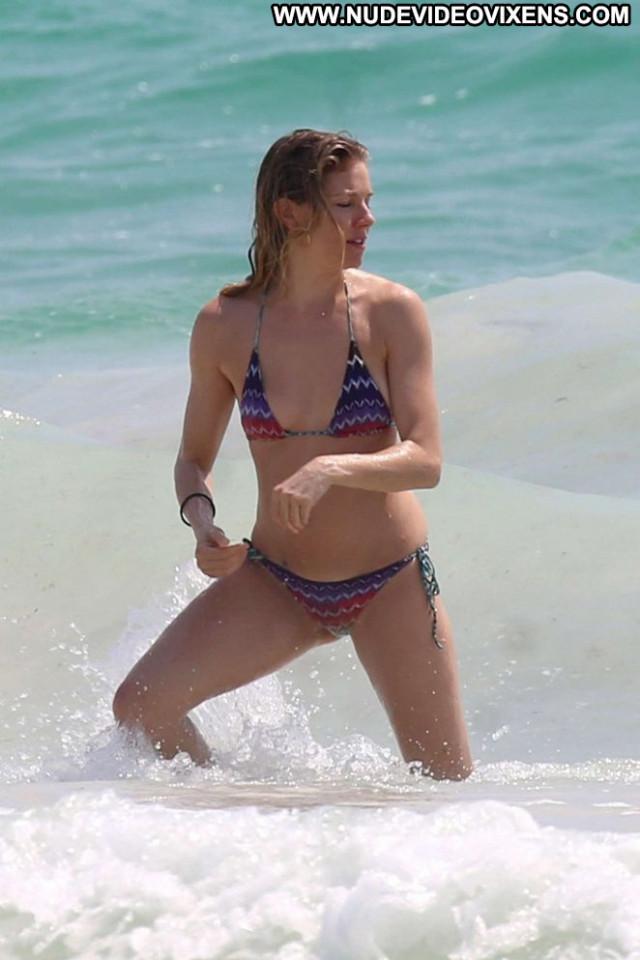 Sienna Miller No Source  Bikini Beautiful Babe Posing Hot Paparazzi