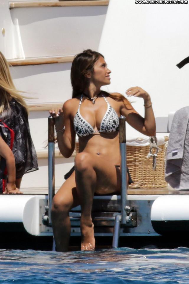 Antonella Roccuzzo Wonder Woman Babe Pants Big Tits Fashion Fashion
