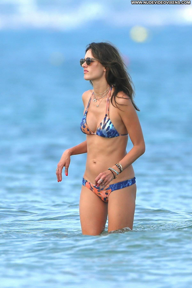 Alessandra Ambrosio Topless Photoshoot Babe Actress Candid Magazine