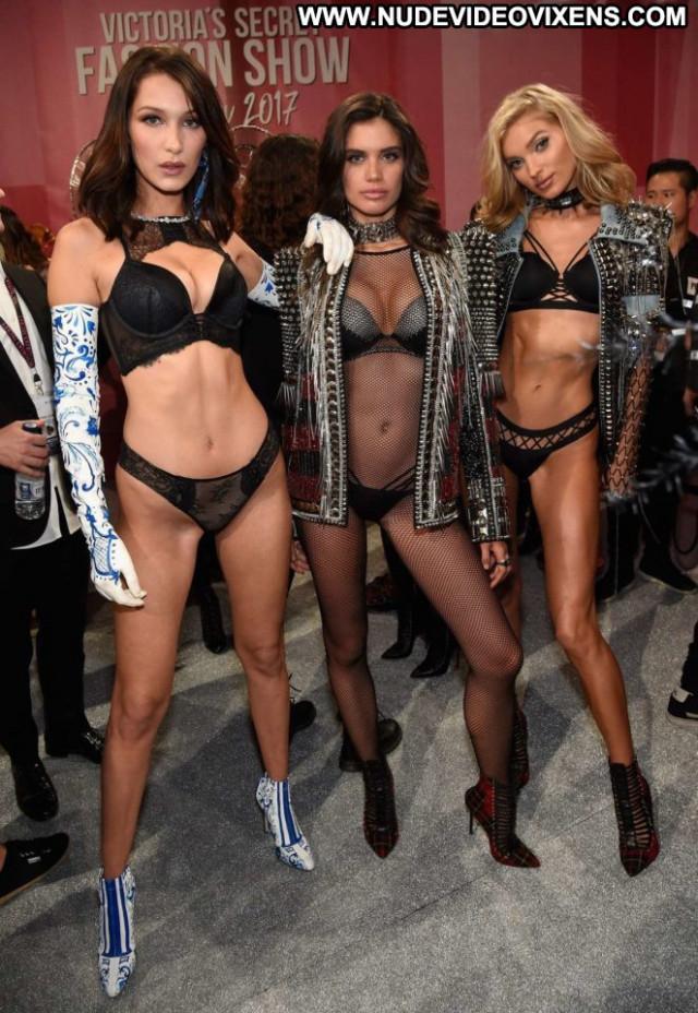 Victoria Fashion Show Posing Hot Beautiful Celebrity Angel Fashion