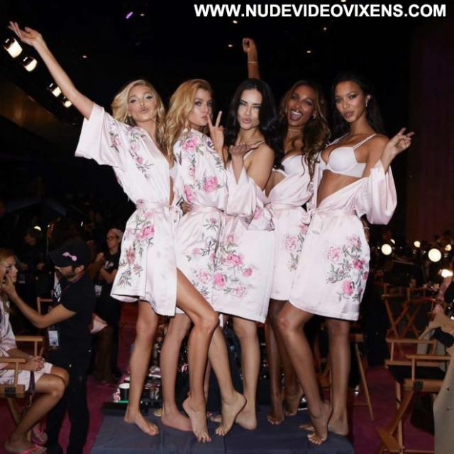 Victoria Fashion Show Posing Hot Fashion Celebrity Babe Beautiful