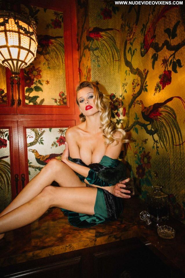 Alejandra Guilmant S Magazine Celebrity Sex Babe Posing Hot Sexy