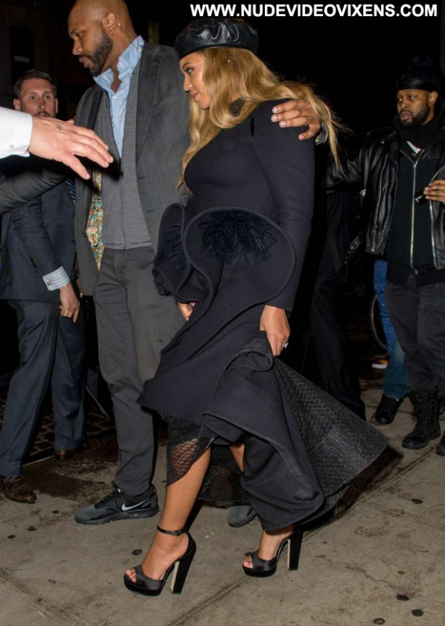 Beyonce No Source Babe Posing Hot Nyc Beautiful Black Paparazzi