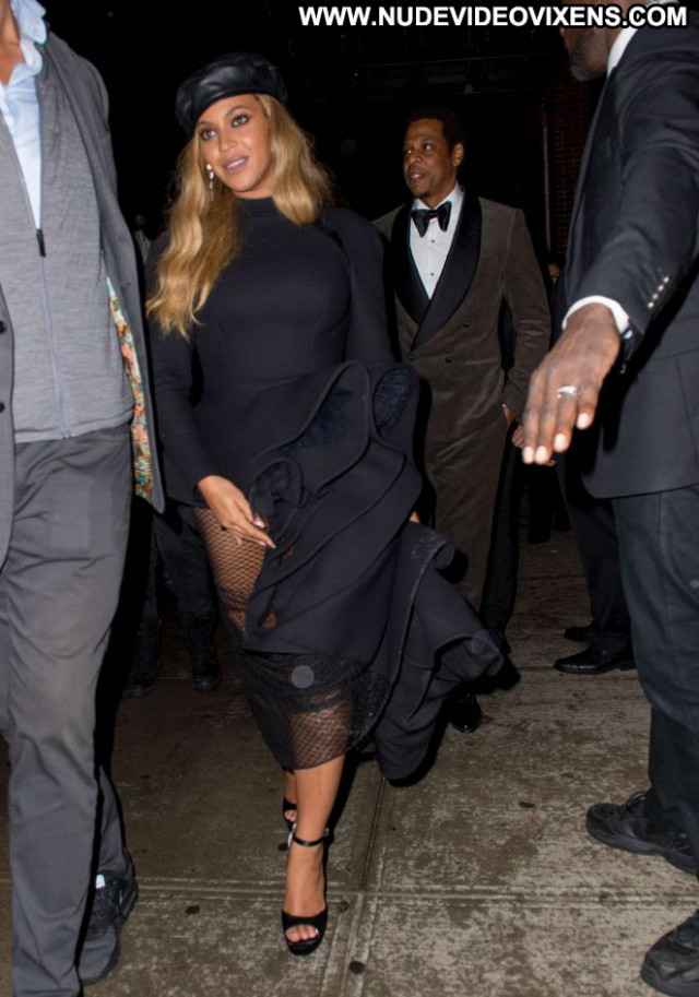 Beyonce No Source Beautiful Celebrity Paparazzi Posing Hot Babe Black