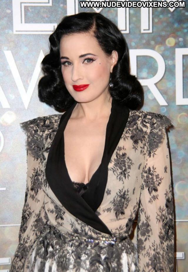 Dita Von Teese Emmy Awards Celebrity Posing Hot Paparazzi Babe