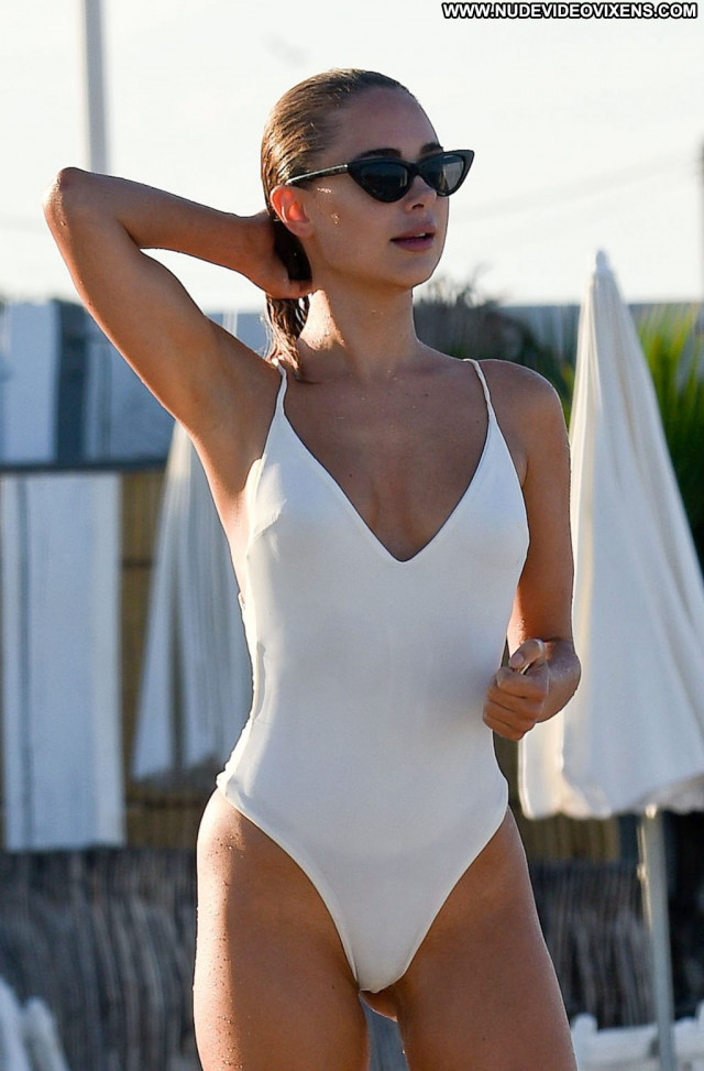 Pauline Moulettes The Girl Singer Summer Videos Celebrity Sex