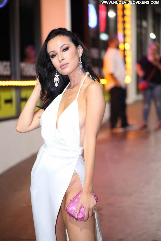 Akshara Haasan Aly Michalka Bar Leaked Sexy Beautiful Nyc Mali Male